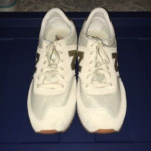 nwob new balance 620 sneakers